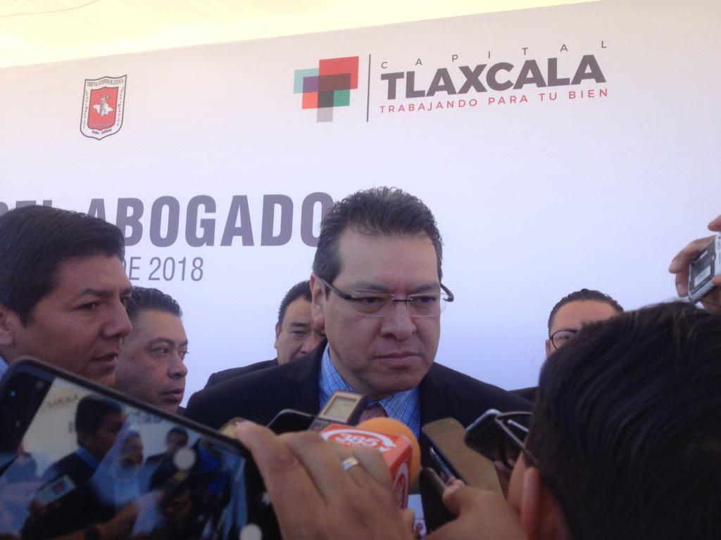 """Marco Mena pretende lograr una """"pinza de trabajo"""" con AMLO"""