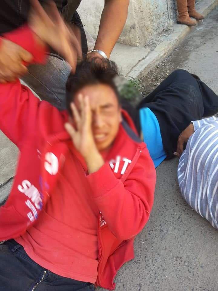 Casi linchan a tres ladrones en Chiautempan por robar celular