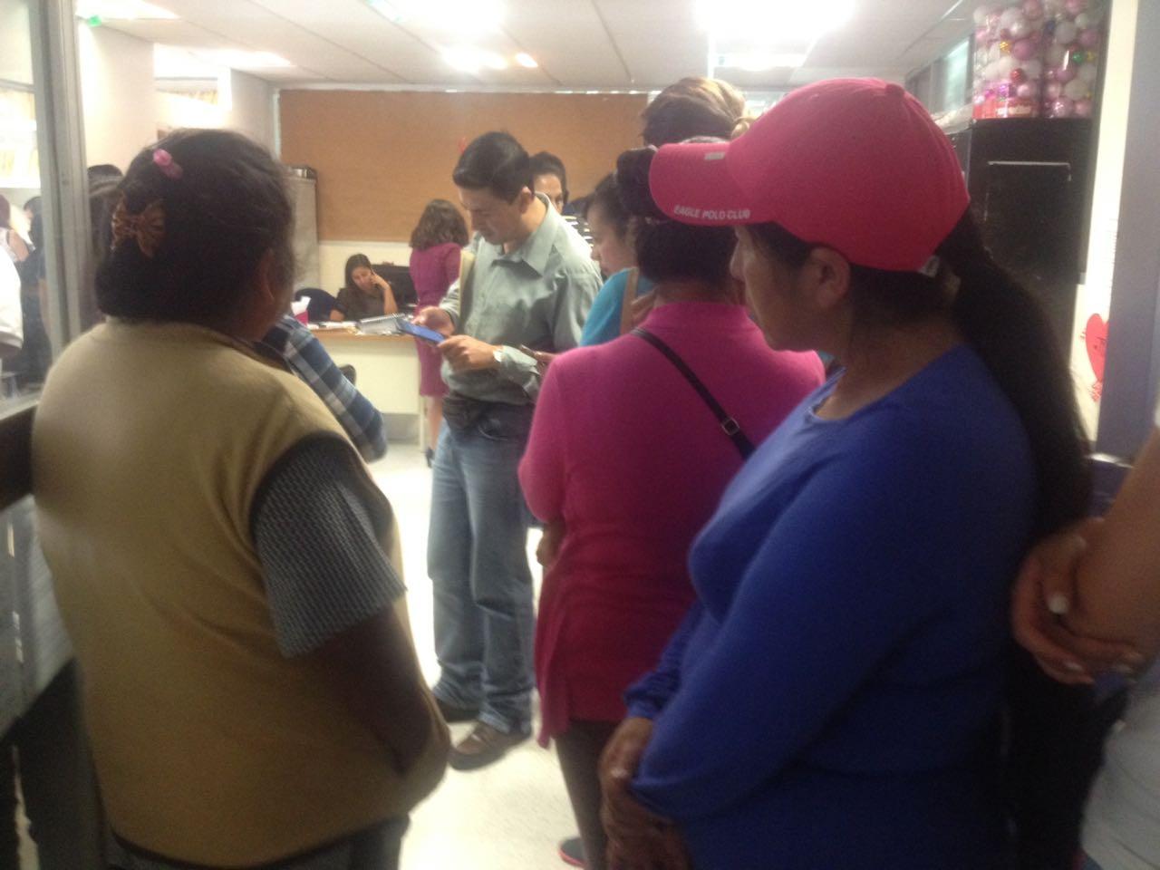 Padres de familia de Calpulalpan exigen la instalación de un maestro