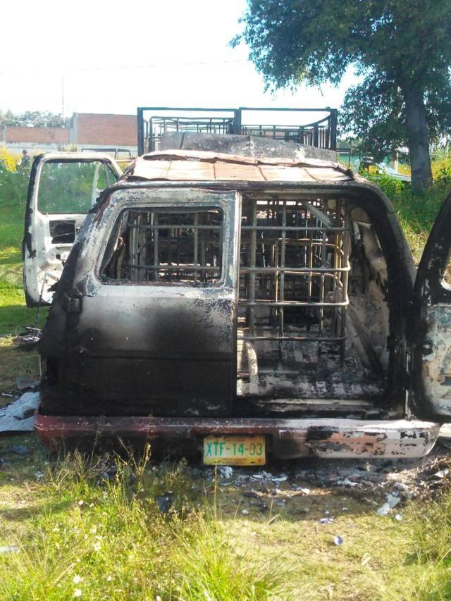 Arden camionetas cargadas de huachicol