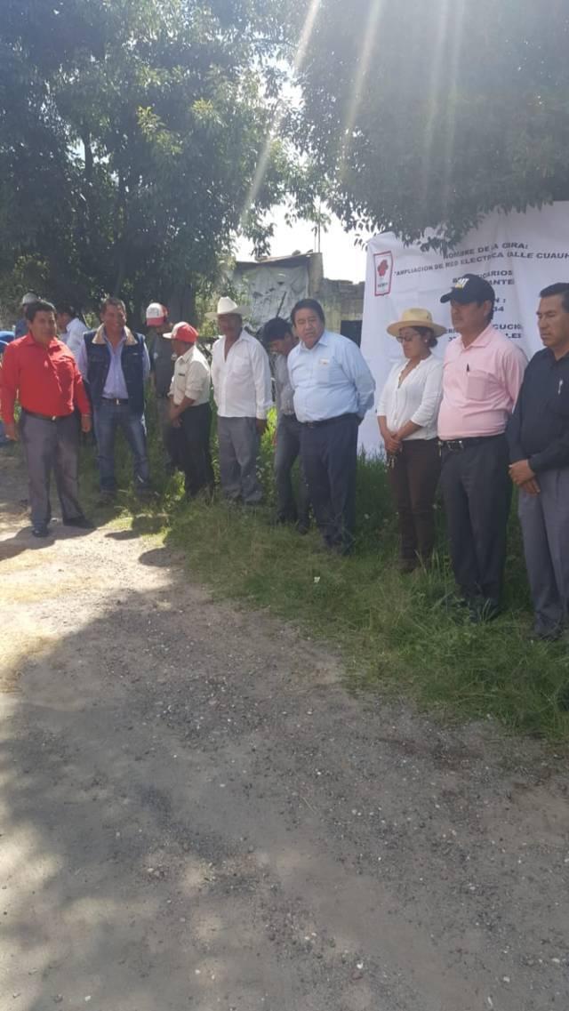 Alcalde acerca servicios básicos a los barrios de Tecpa Morales y Poxtla 2da secc.