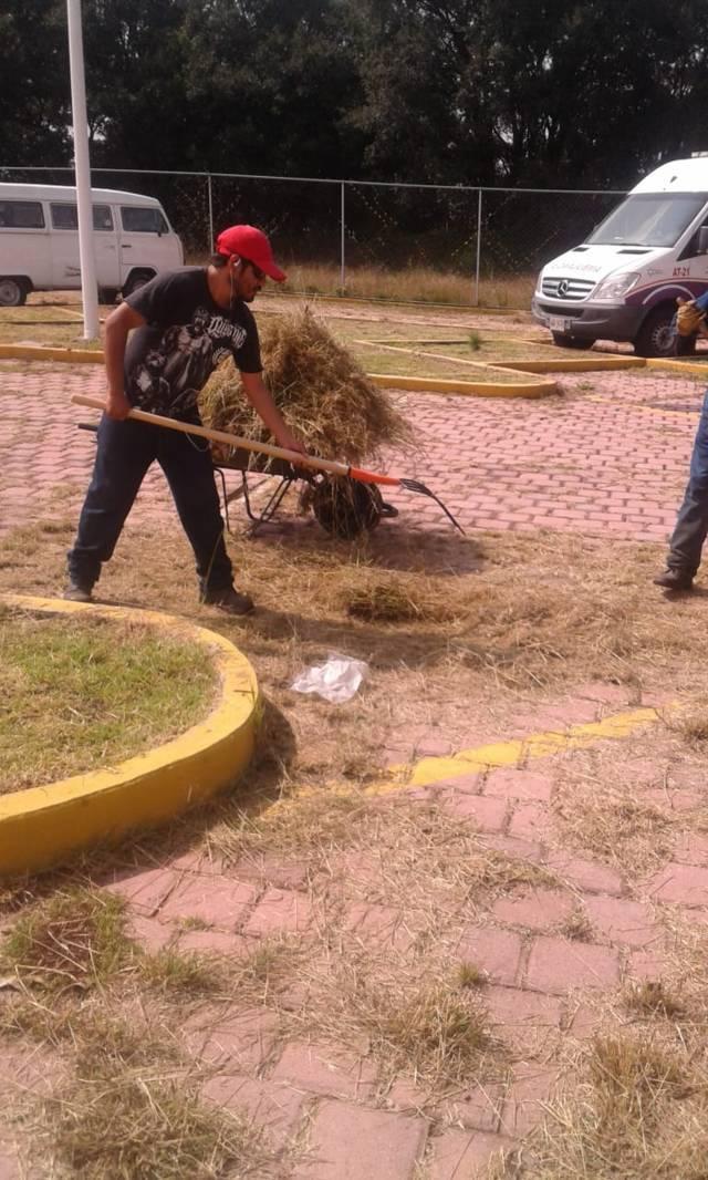 Inicia Héctor Domínguez Rugerio saneamiento en hospitales de las comunidades