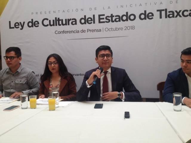 Covarrubias busca colgarse de AMLO para impulsar una Ley