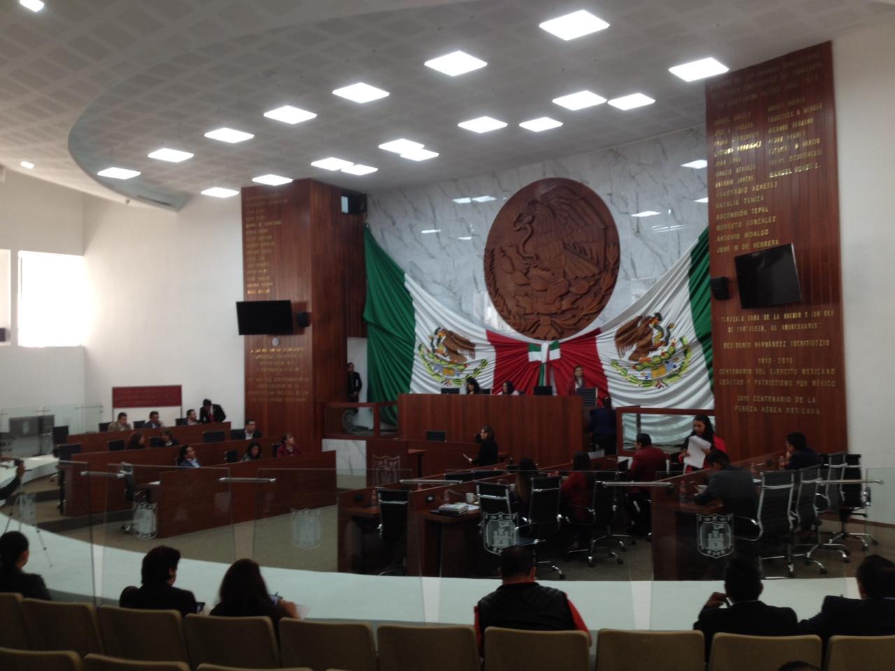 Propone Víctor Báez que documentos oficiales sean gratuitos