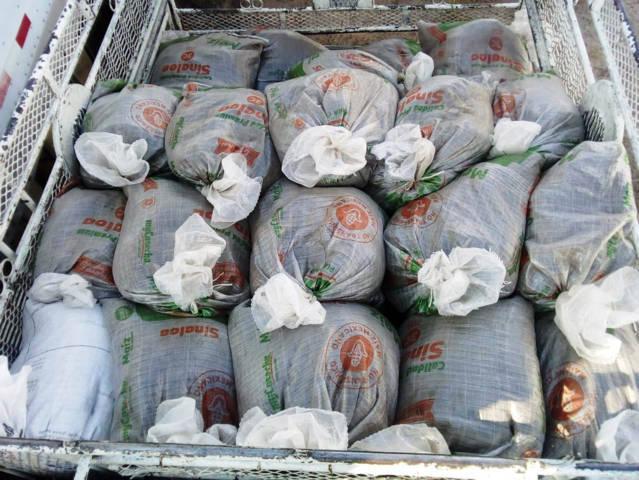 Asegura policía estatal camioneta con material forestal en San Pablo Del Monte
