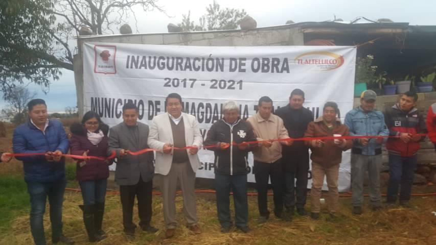 Pluma Morales entrega 3 obras más de servicios básicos en diferentes barrios