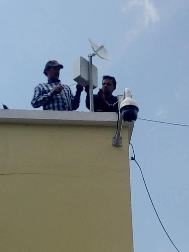 Alcalde refuerza la seguridad con la instalación de cámaras en puntos estratégicos