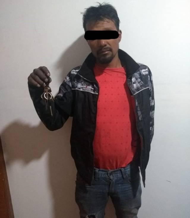 Aseguran policías de Apizaco a un hombre por tentativa de robo