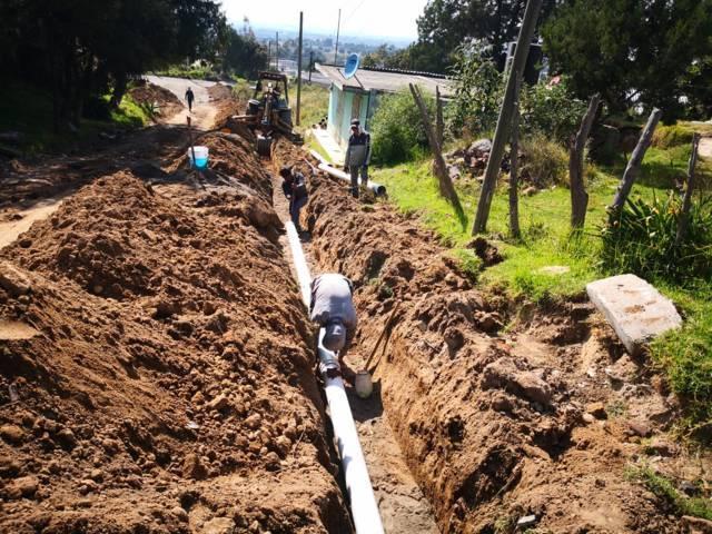 Amplian red de agua potable en San Bartolome Matlalohcan