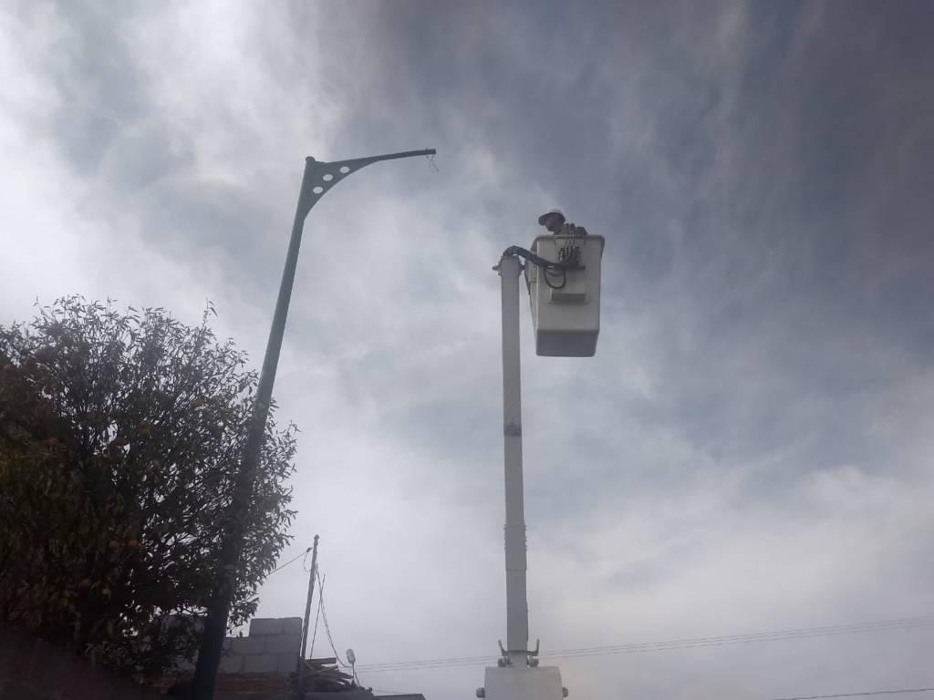 Ayuntamiento rehabilitara 60 luminarias de la calle Ascensión Tepal