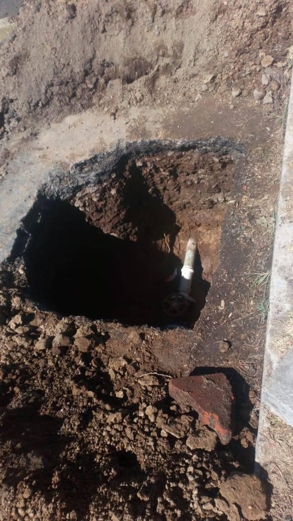 Alcalde mejora la presión de la red de agua con la instalación de 2 válvulas