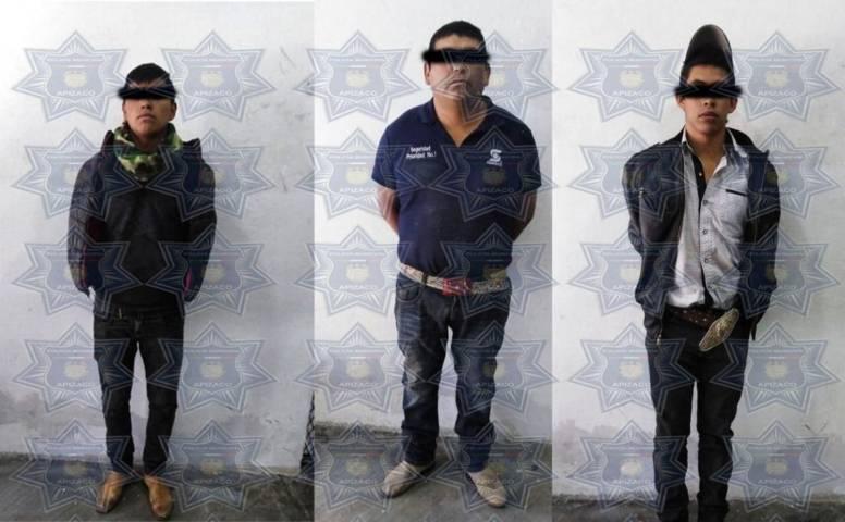 Aseguran a tres sujetos con arma de fuego en filtros de seguridad en Apizaco