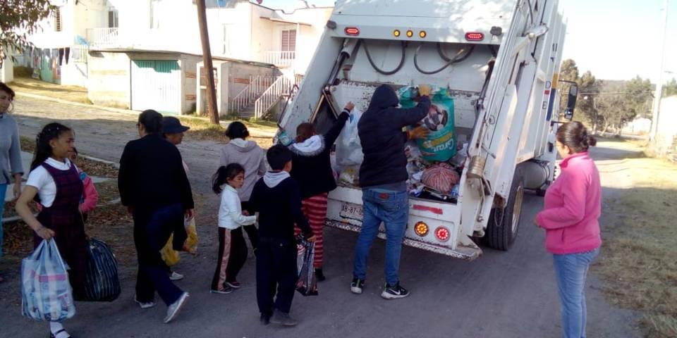 Arrancan en Tetla servicio vespertino de recolección de basura
