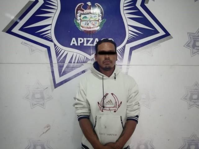 Detienen oficiales de Apizaco a sujeto por intento de robo de vehículo