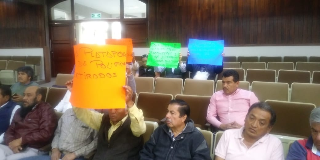 Se desbocan lideres transportistas, insultan al panista Omar Milton