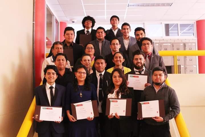 Obtienen estudiantes UPTx certificación internacional