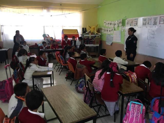Ayuntamiento y la CES previenen el delito con talleres en escuelas