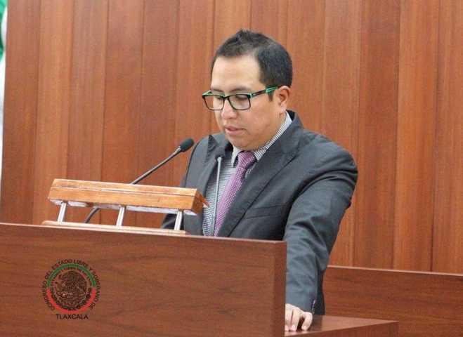 Chema pugnará por bajar el costo de empadronamiento en Huamantla