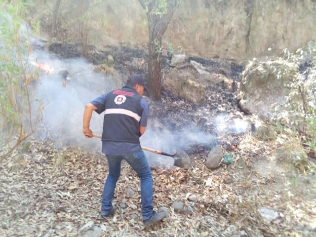 Protección Civil municipal sofocan dos incendios