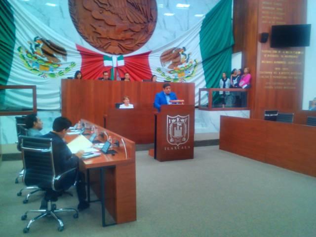 Castro reconoce trabajo de Lorena Cuellar y Marco Mena