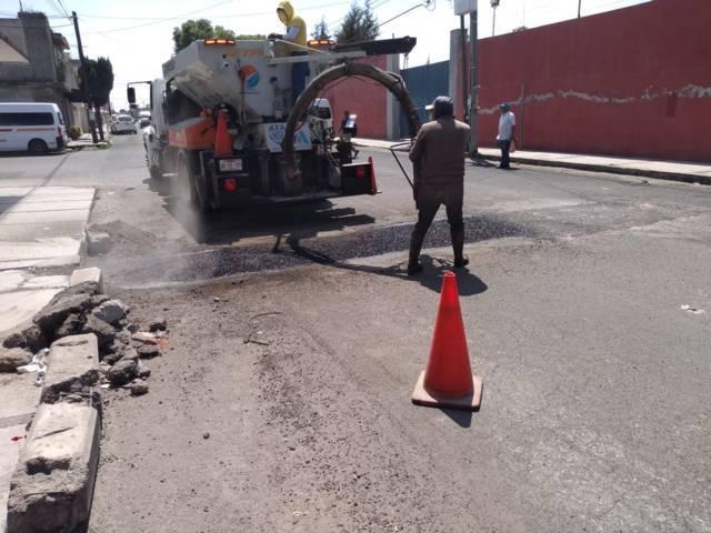 HOPE redobla trabajos correctivos en calles de Apizaco
