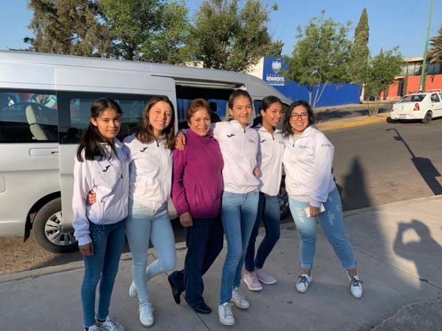 Asisten Gimnastas Apizaquenses a la Copa Lluvia de Estrellas en Monterrey