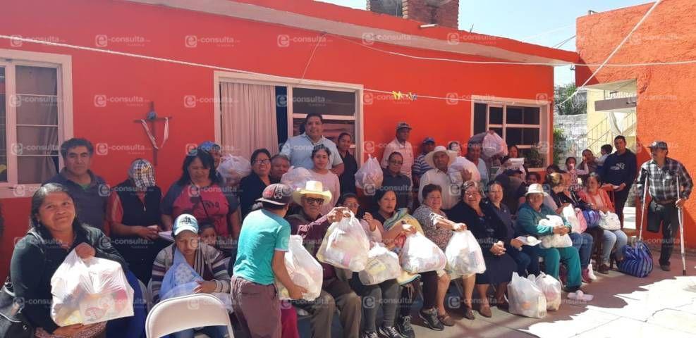 Diputado Castro cumple con la entrega de apoyos en su distrito