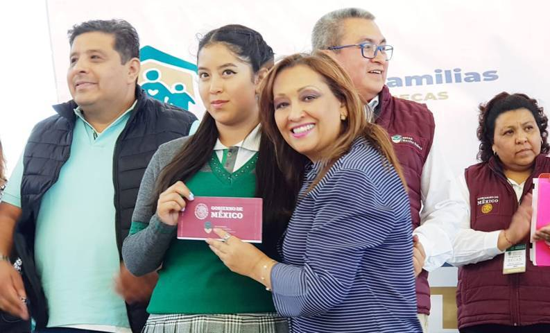 Gobierno Federal entrega 105.5 mdp a estudiantes en Tlaxcala