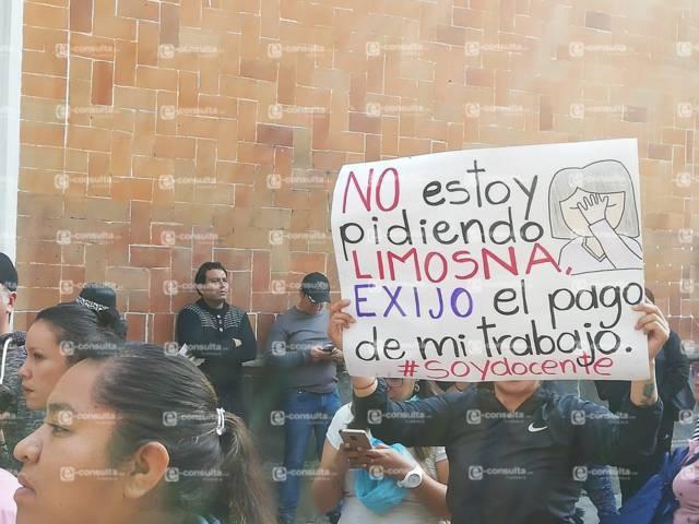 Maestros piden la inmediata destitución de Manuel Camacho