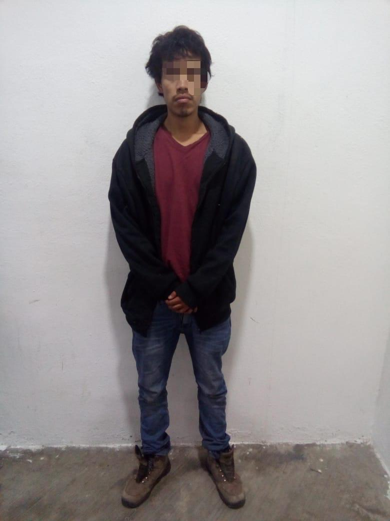 Frustra Policía de Apizaco robo a primaria, aseguran a un imputado