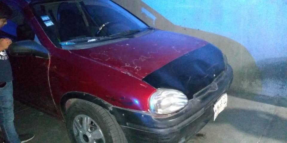 Rescata Policía de Apizaco a menor abandonado en un vehículo