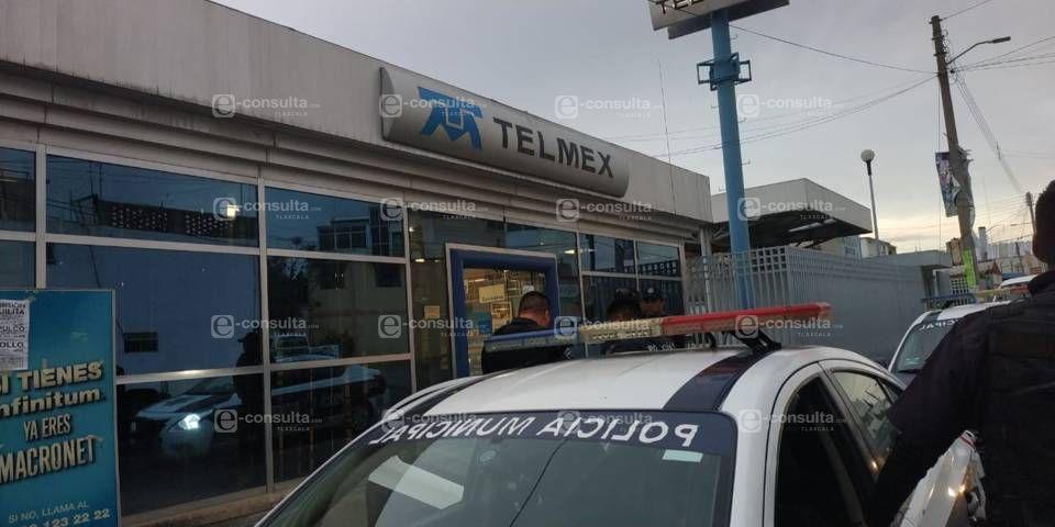 Asaltan TELMEX en Apizaco, seguridad privada no actúo e impidió el acceso a la policía