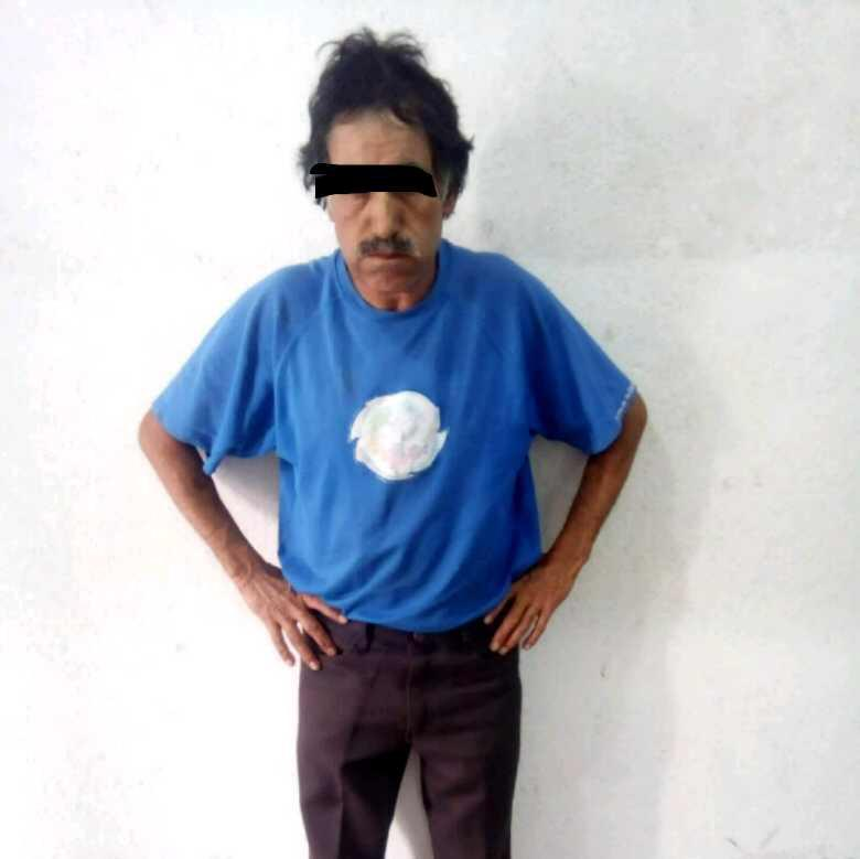 Asegura Policía de Apizaco a sujeto que tomaba fotos a mujeres
