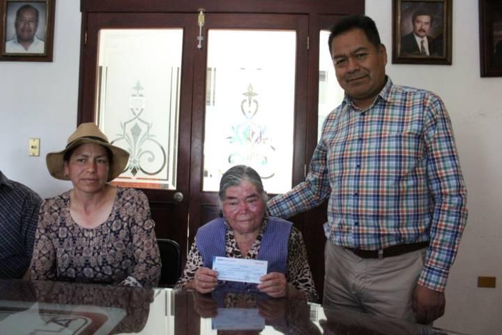 Alcalde apoya la educación con la adquisición de un terreno para una primaria