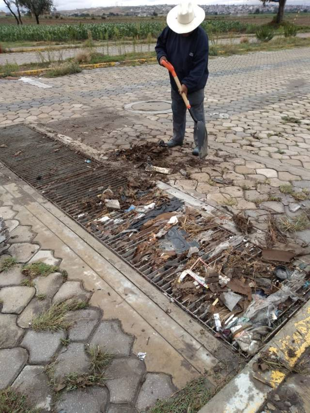 Ayuntamiento de SPM, lleva a cabo acciones de mantenimiento en Calle Bicentenario