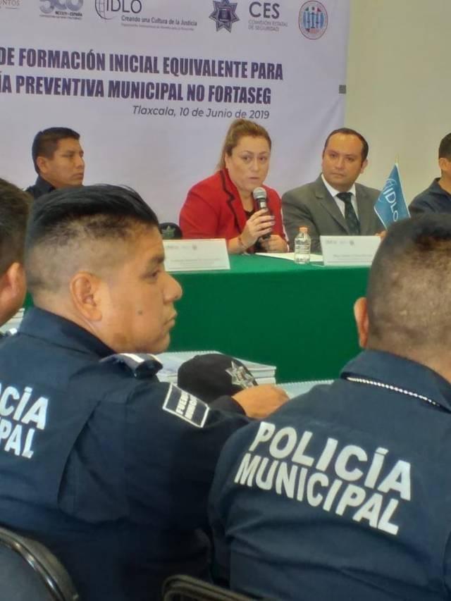 """La CES en conjunto con IDLO incian """"Curso De Formación Incial  Equivalente Para Policia Preventiva Municipal"""""""