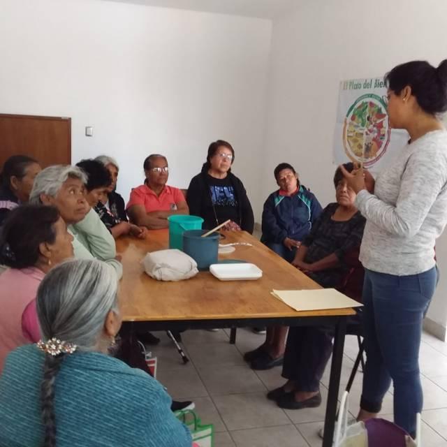 Con platicas podemos mejorar la alimentación de los abuelitos: EJC