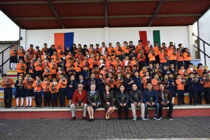 Adopta un Árbol llego al colegio Mariano Matamoros de Zacatelco
