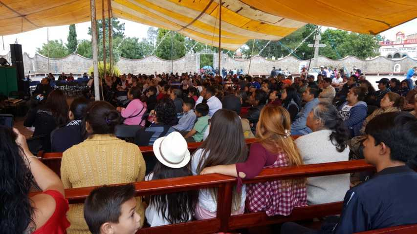 La Feria de Tlaltelulco sigue atrayendo miles de personas ahora con los imitadores