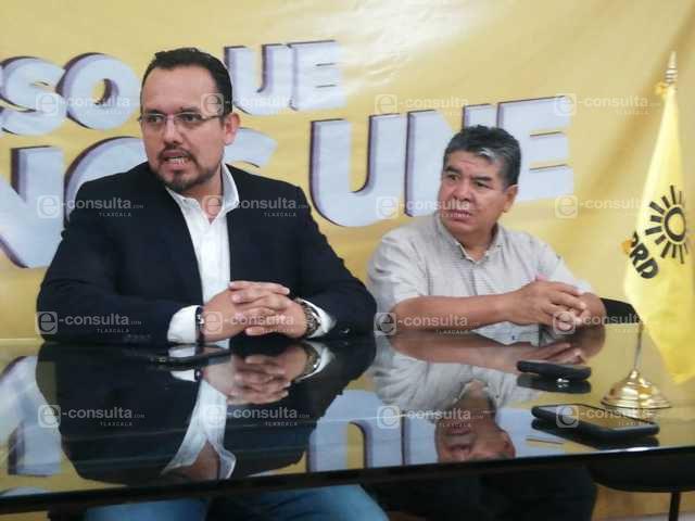 Mena dispuesto a entregarle la gubernatura a Lorena Cuellar, prevé PRD