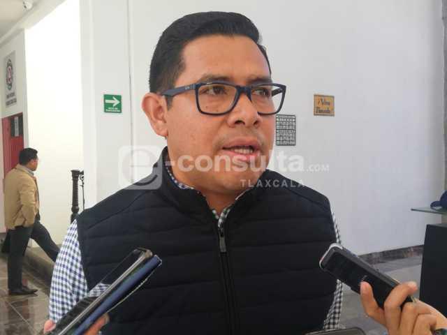 No meteré las manos para defender municipios panistas: OMLA