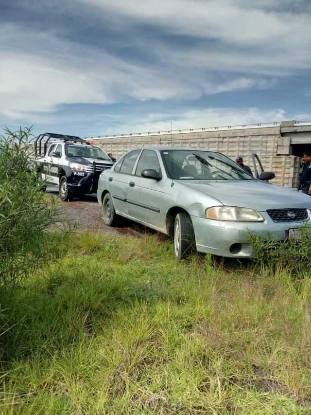 Roban vehículo y policía municipal lo recupera en menos de una hora