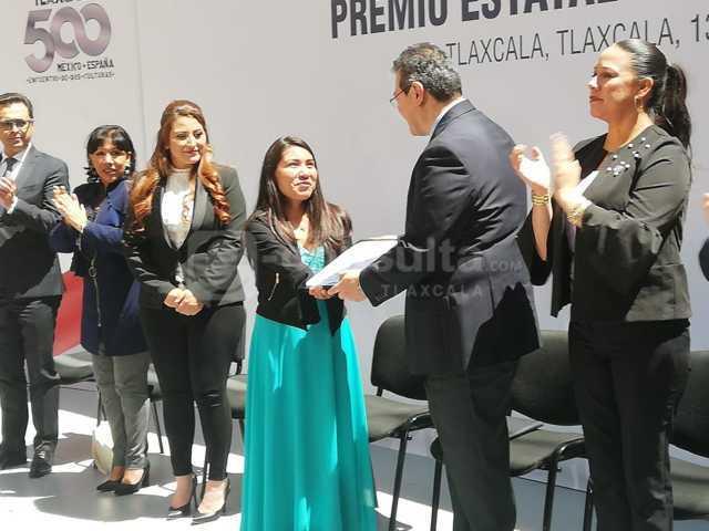 Luna: Galardonados tienen el compromiso de construir un mejor Tlaxcala
