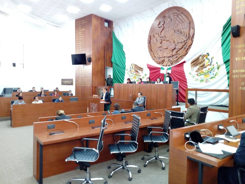 Zonia Montiel dio lectura al programa legislativo, son 66 propuestas