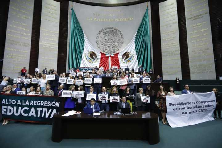 Leyes secundarias en contra de los maestros y a favor del sindicato: Carlos Carreón