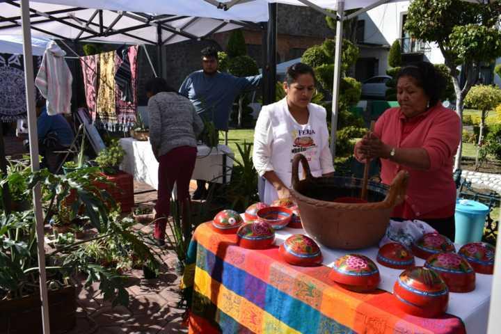 El mercado orgánico es una fuente de ingreso para comerciantes de la región