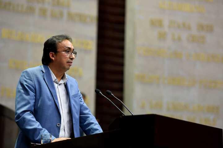 Ya sin propuestas, Carreón ataca acciones de AMLO