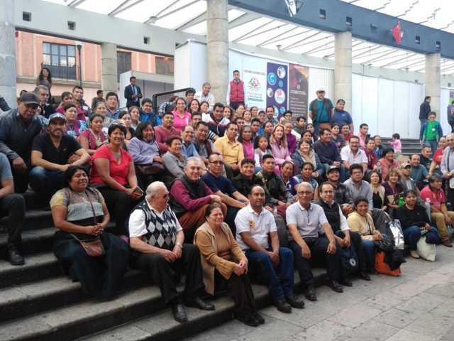 Artesanos de San Pablo Del Monte participan en la cuarta Feria Nacional de Arte Popular