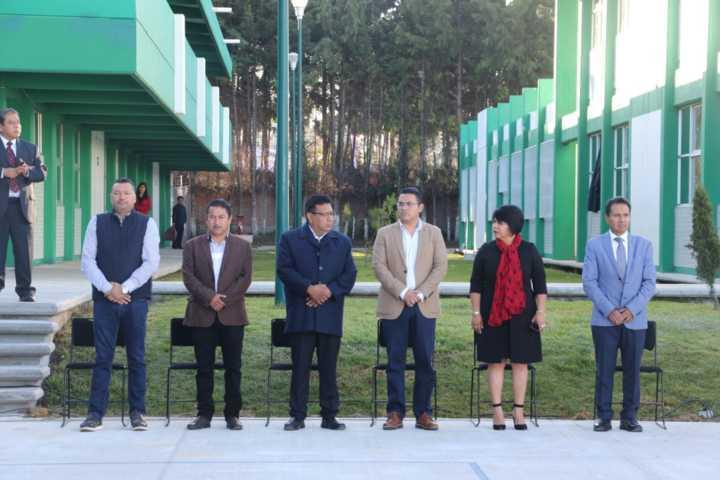Cumple edil de Apizaco compromiso de obra pública en Cecyte 23