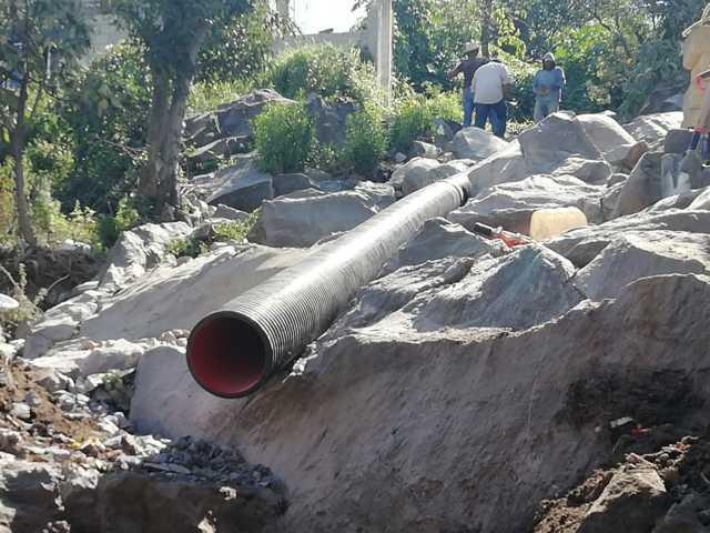 Rehabilitan red de drenaje pluvial de la calle la Cascada de Santa Justina Ecatepec
